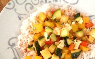 Reispfanne mit Gemüse und Feta